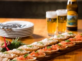 Foodfotografie-Szene für Bäckerei mit Restaurant, vor Ort beim Kunden fotografiert.
