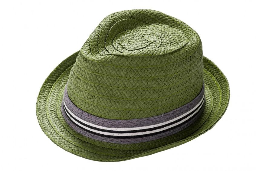 Geflochtener Hut (Legeware), hochauflösend fotografiert und zusätzlich freigestellt