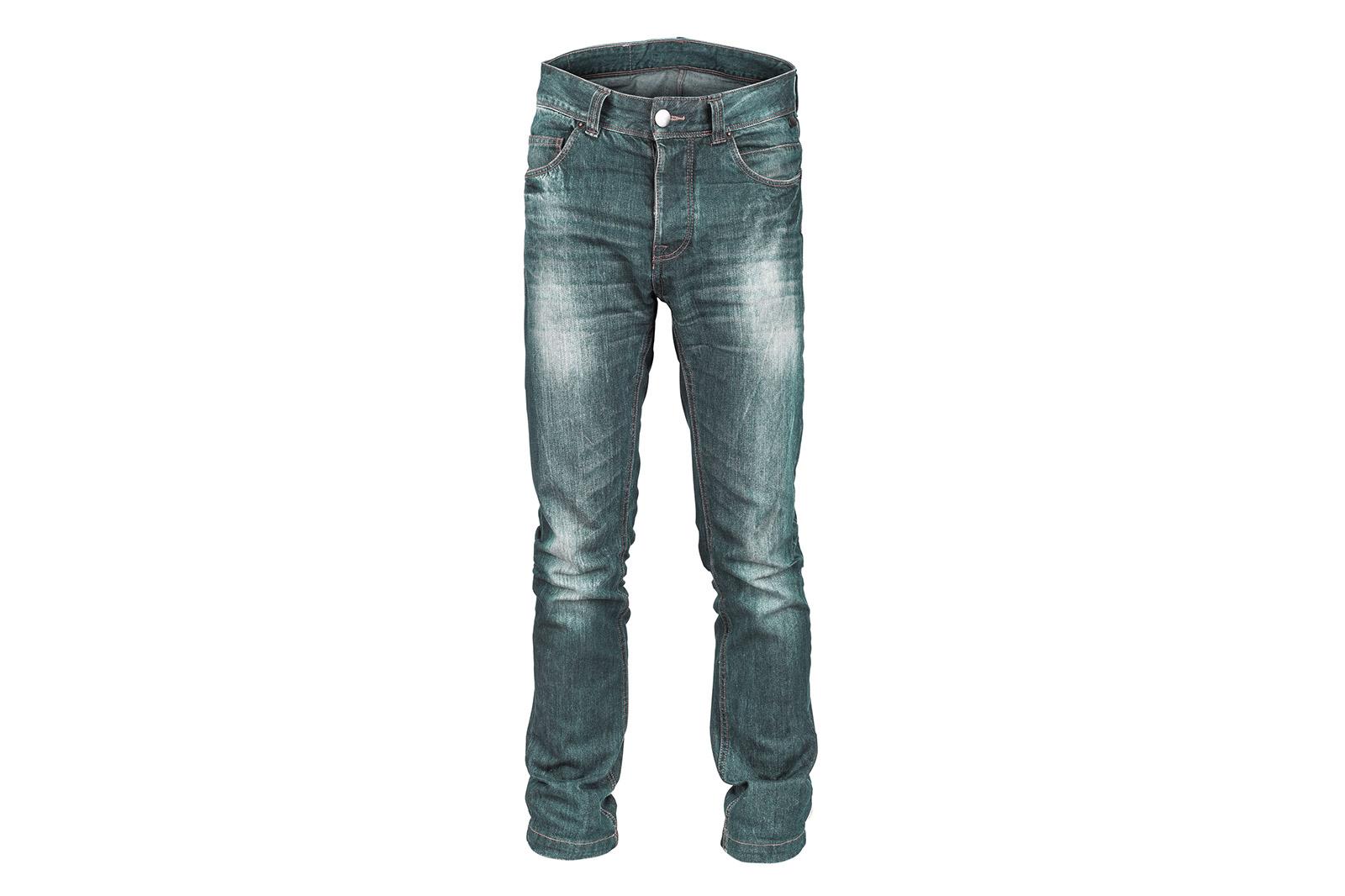 Jeanshose an 3D-Form fotografiert und als «Hollowman» aufbereitet (Körper ist nicht zu sehen), zusätzlich freigestellt.