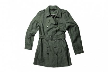 Textil-Jacke, gelegt und zusätzlich freigestellt.