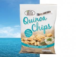 Packshot-Fotografie einer Quinoa-Chips-Tüte, sorgfältig ausgeleuchtet, aufwändig mittels Profi-Retusche optimiert (Knitter/Reflexionen) und freigestellt. Die perfekte Freistellung erlaubt das Platzieren auf einem beliebigen Hintergrund.